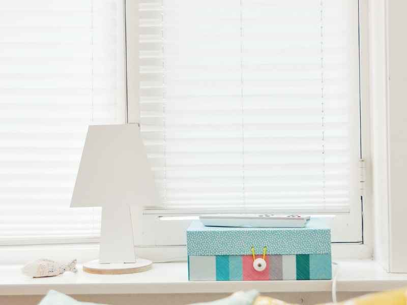 best way to clean blinds